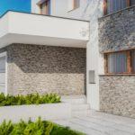 Elewacyjne show, czyli krótka rozprawa o betonowym kamieniu dekoracyjnym
